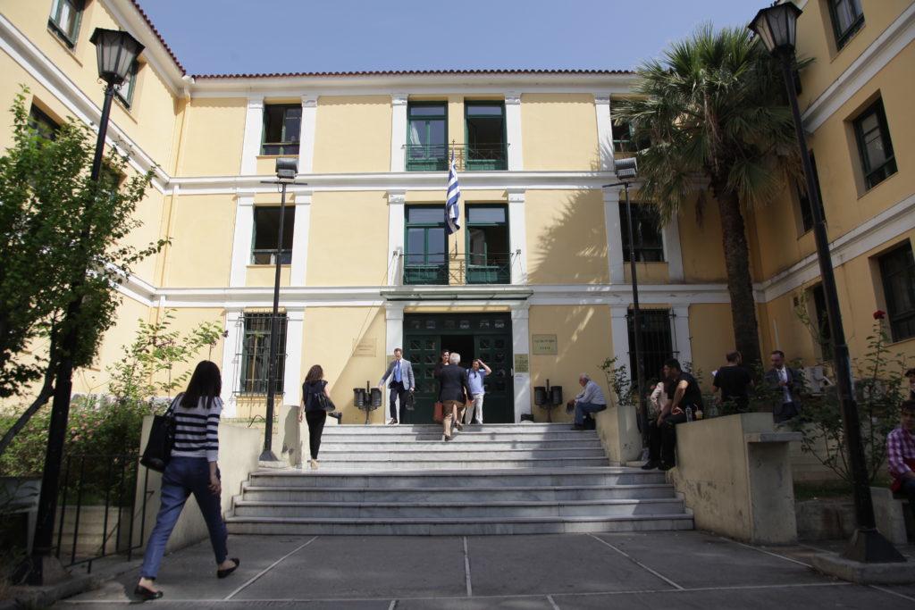 Εντός της ημέρας αναμένεται η απόφαση αναστολής της λειτουργίας των δικαστηρίων λόγω κορονοϊού