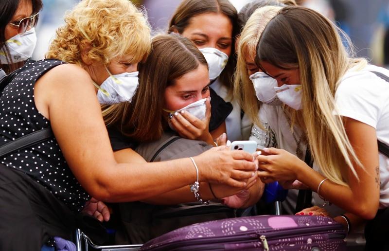 Κορονοϊός: Ένας στους δέκα κολλάει από κάποιον χωρίς συμπτώματα