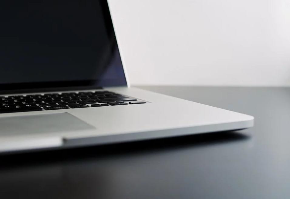 Κομισιόν: Προσοχή στους διαδικτυακούς «πλασιέ» προϊόντων που δήθεν θεραπεύουν τον κορονοϊό