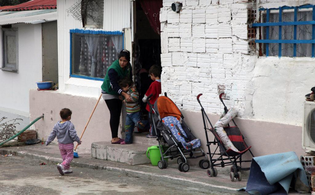 Κορονοϊός: Έκκληση των Ελλήνων Ρομά προς την Πολιτεία για μέτρα στους καταυλισμούς