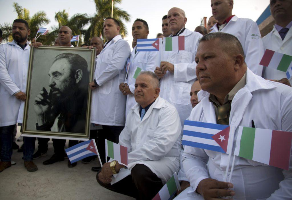 Koρονοϊός: Μπριγάδα Κουβανών γιατρών μετά την Ιταλία και στην μικρή Ανδόρα