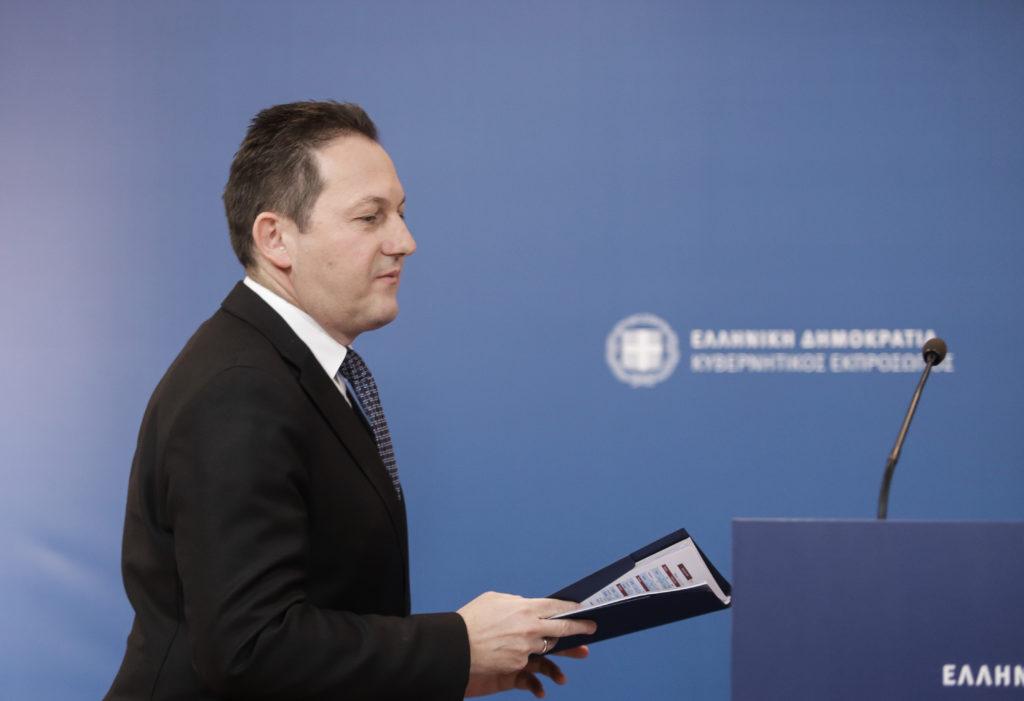«Λαϊκισμός» για τον Πέτσα η πρόταση ΣΥΡΙΖΑ για υποχρεωτική προσωρινή μείωση των μισθών των βουλευτών!