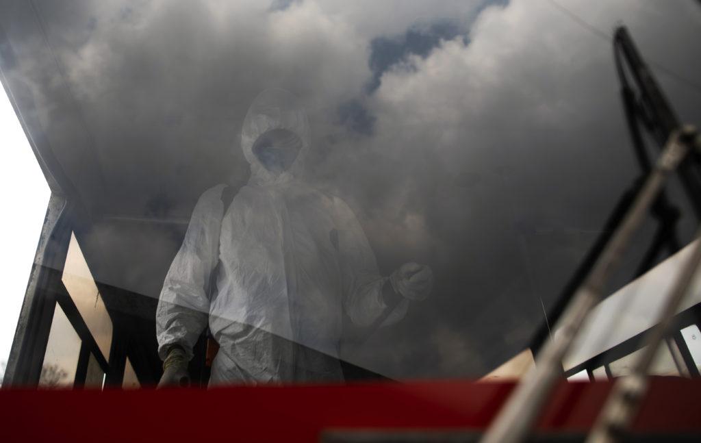 Κορονοϊός: «Κίνδυνος» οι ασυμπτωματικοί – Επιδημιολόγος του Χάρβαρντ στο documentonews.gr