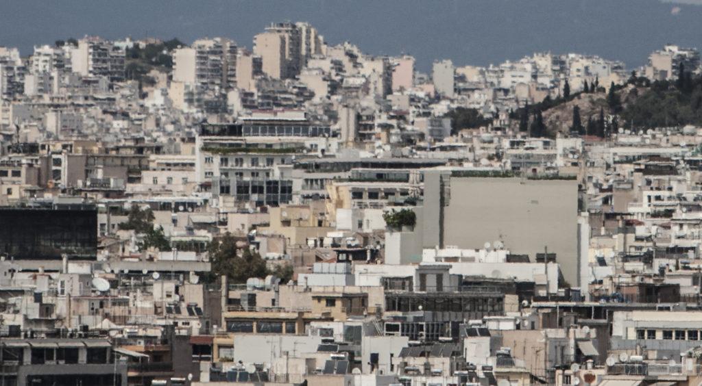 Απόφαση ΚΑΣ: «Αποκοπή» δύο ορόφων του ξενοδοχείου που κρύβει την Ακρόπολη