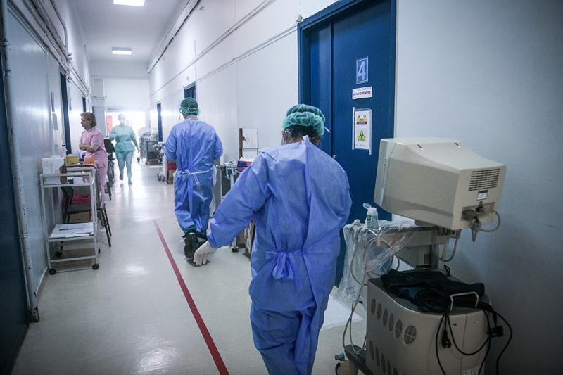 Θετική και πάλι  στον ιό Ελληνίδα, που είχε πάρει εξιτήριο στις 6 Απριλίου