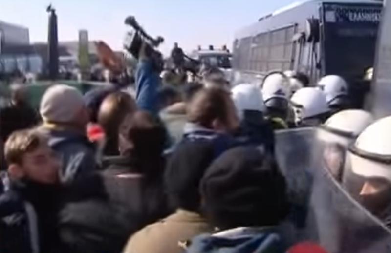 Σέρρες: Ένταση μεταξύ αγροτών και αστυνομικών (βίντεο)