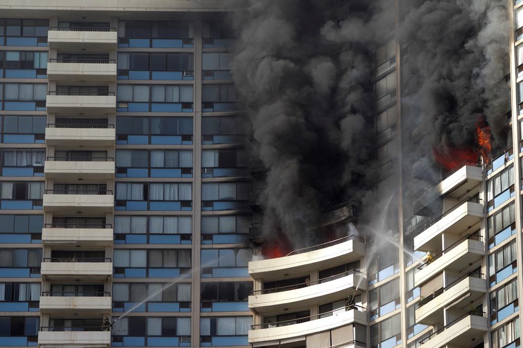 HΠΑ: Τρεις νεκροί από φωτιά σε ουρανοξύστη στη Χονολουλού (video)