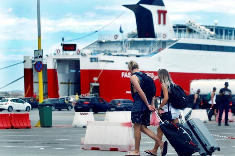 Έτσι θα γίνονται τα ταξίδια με πλοία – Θερμομέτρηση, μονόκλινες καμπίνες και με τον μισό αριθμό επιβατών