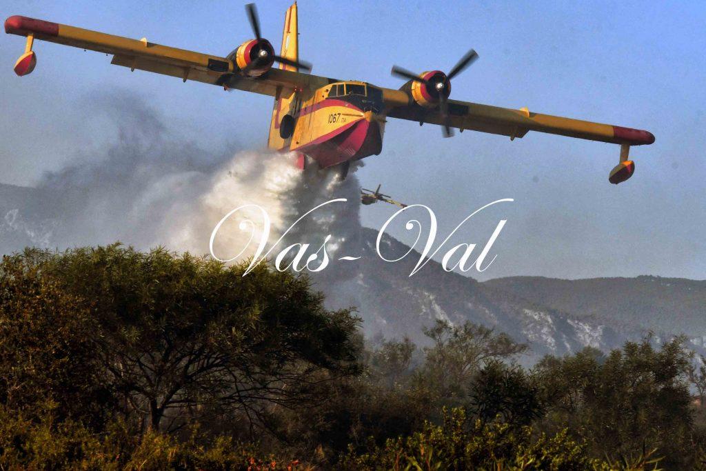 Μάχη με τις φλόγες στο Λουτράκι (video)