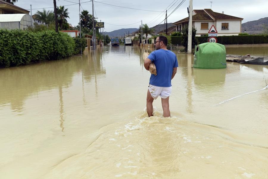 Πλημμύρες στην Ισπανία: Αγνοείται ένας 66χρονος Ολλανδός – Τον παρέσυραν τα ορμητικά νερά