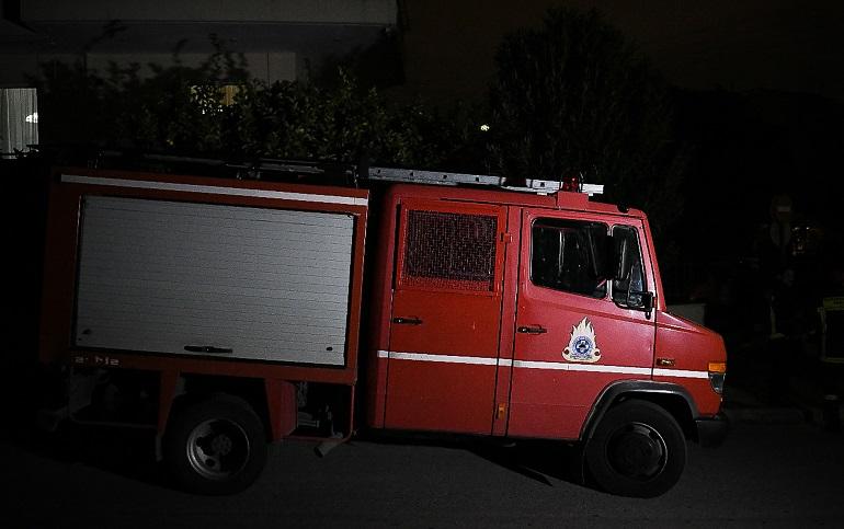 Υπό έλεγχο η φωτιά σε εργοστάσιο στον Ασπρόπυργο