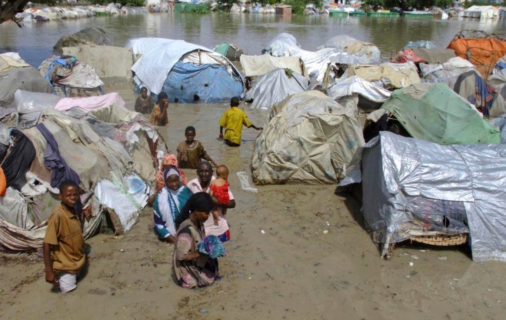 Καταστροφικές πλημμύρες στη Σομαλία – Πάνω από 270.000 οι εκτοπισμένοι