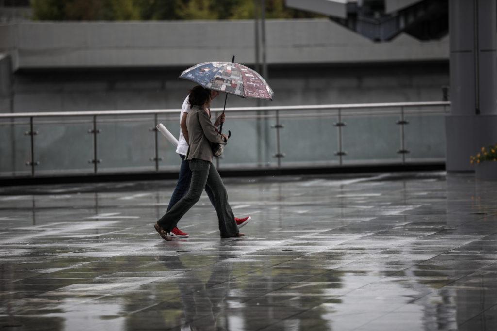 Συνεχίζεται η κακοκαιρία – Ισχυρές βροχοπτώσεις και καταιγίδες από το μεσημέρι