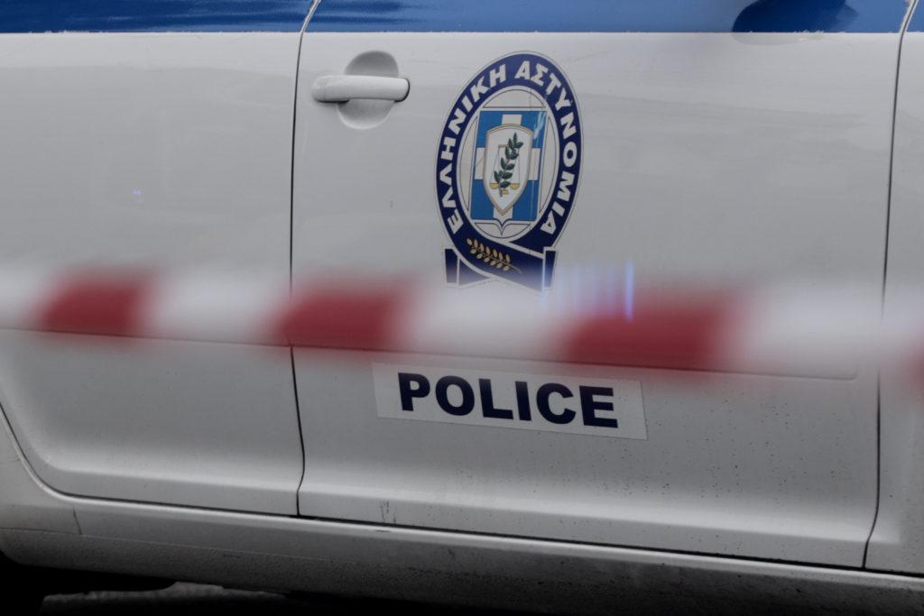Συνελήφθησαν τρία άτομα για την υπόθεση στοχοποίησης των τεσσάρων αθλητικών συντακτών μέσω αφισοκόλλησης