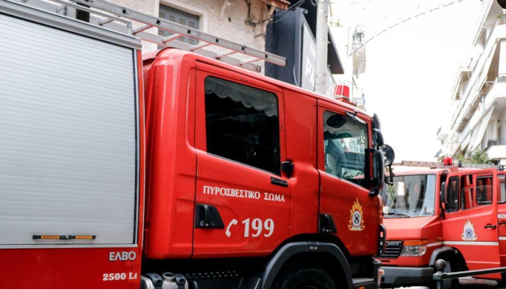 Κερατσίνι: Νεκρή ανασύρθηκε 84χρονη από φωτιά σε διαμέρισμα