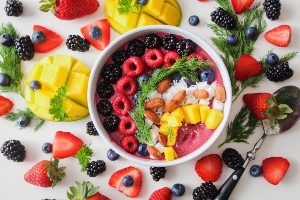 Γιατί τα «πολύχρωμα» πιάτα γεμίζουν ενέργεια τον οργανισμό;