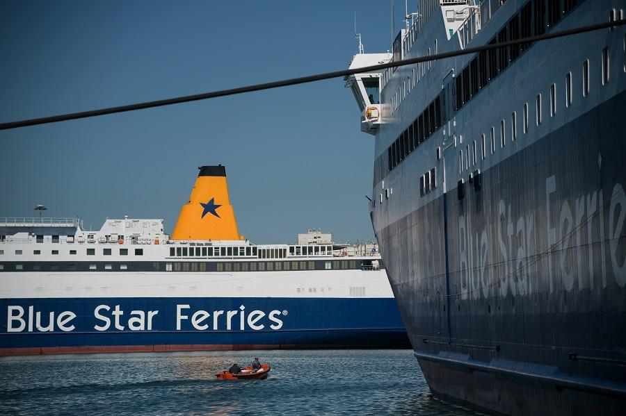 Τι επιτρέπεται και τι όχι στις μετακινήσεις με πλοία – Με τους μισούς επιβάτες τα δρομολόγια