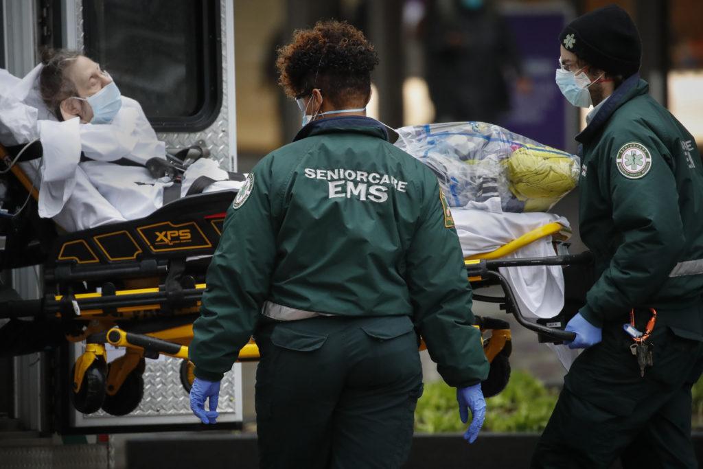 ΗΠΑ: Άλλοι 1.255 θάνατοι από τον κορονοΪό σε 24 ώρες
