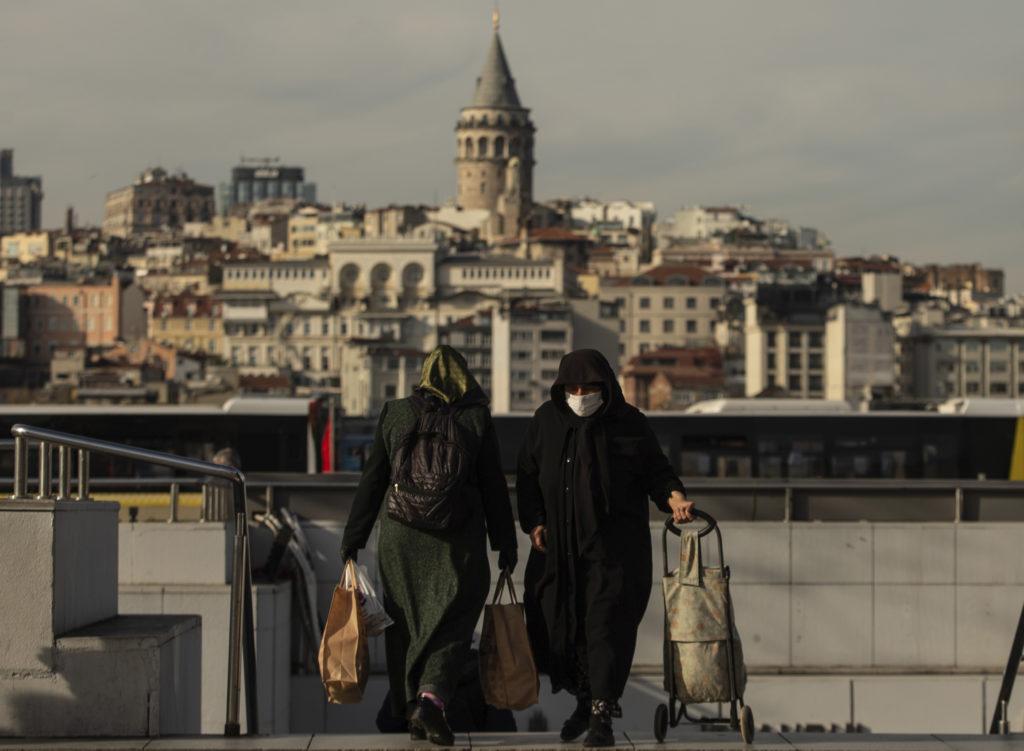 Τουρκία: Πάνω από 4.000 οι θάνατοι στη γειτονική χώρα λόγω κορονοϊού