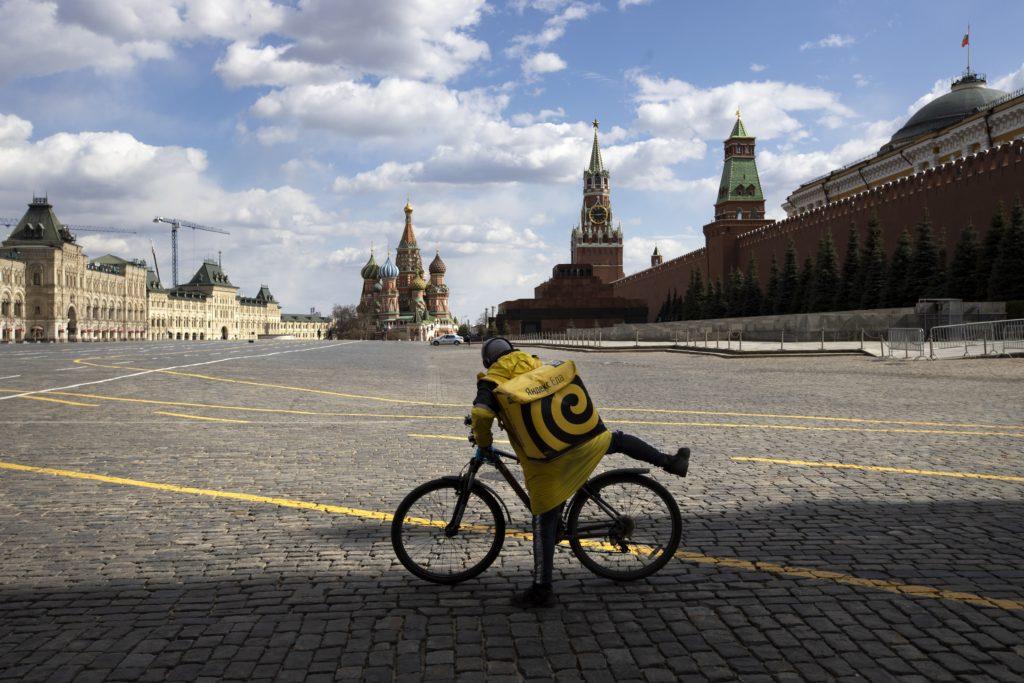Πάνω από δύο εκατομμύρια Ρώσοι έχουν απολυθεί μέσα στην πανδημία