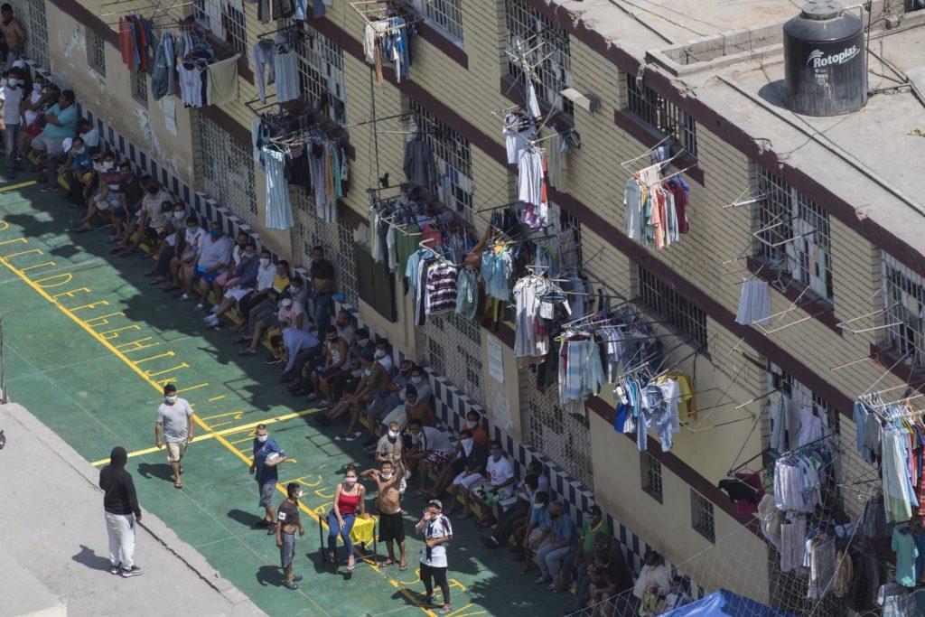 Ισημερινός: Τα δύο τρίτα των κρατουμένων σε φυλακή έχουν μολυνθεί από τον κορονοϊό