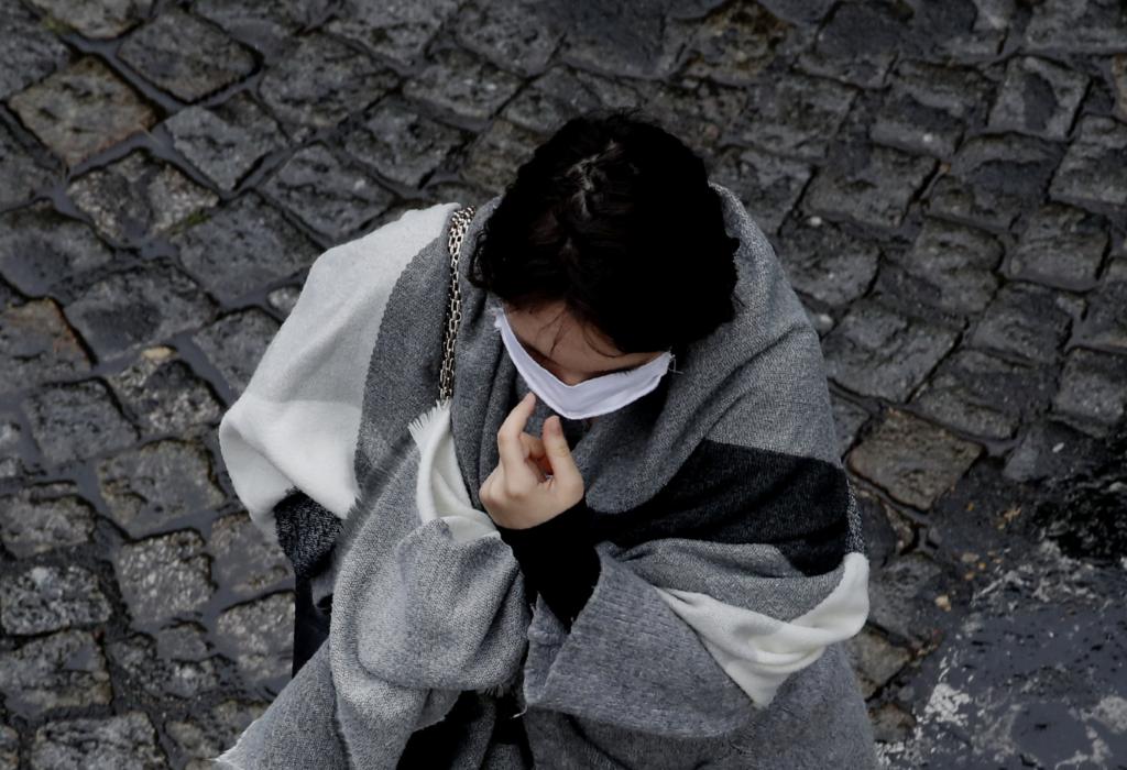 Γαλλία: 351 νεκροί το τελευταίο 24ωρο – Μειώνονται οι ασθενείς στις ΜΕΘ
