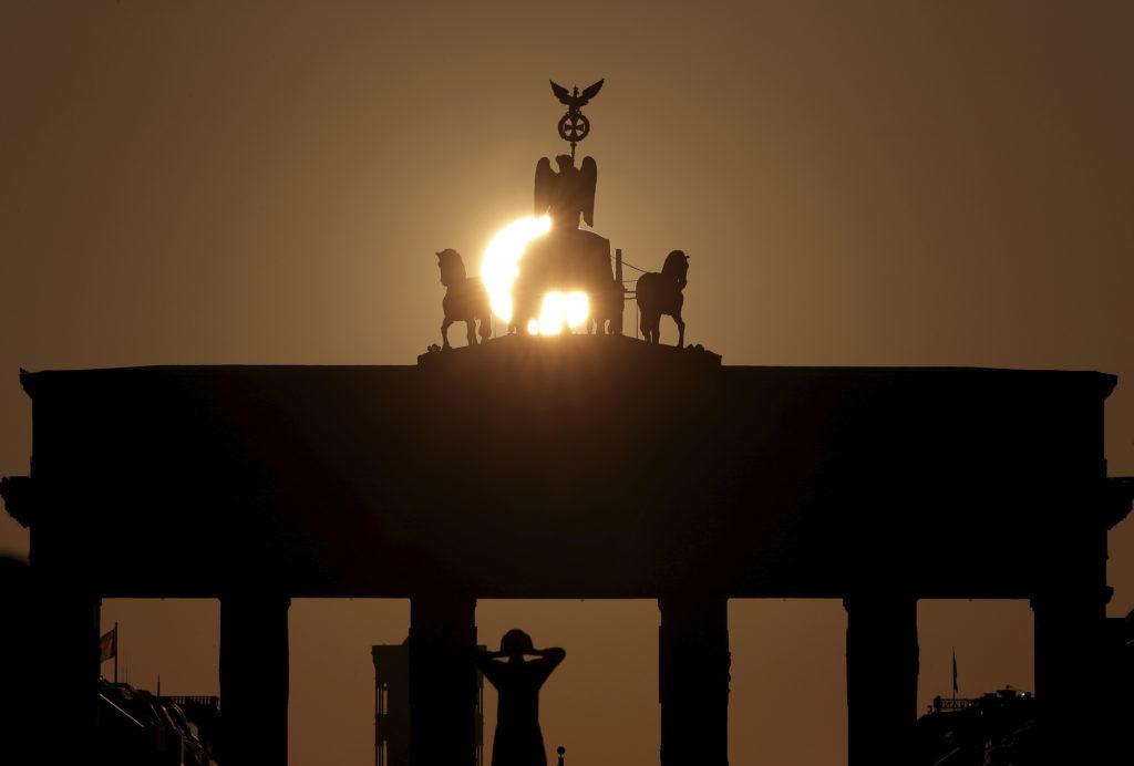 Γερμανία: Ο κορονοϊός οδήγησε το γερμανικό ΑΕΠ σε μείωση κατά 25% για αρκετές εβδομάδες