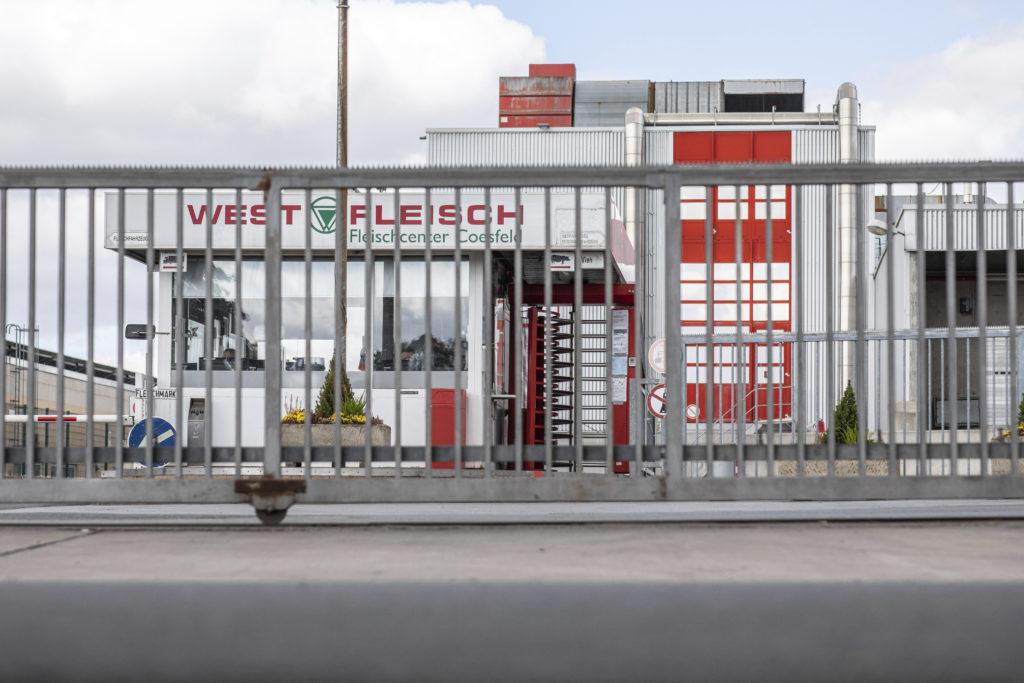 Γερμανία – Κορονοϊός: Εστίες μόλυνσης σε βιομηχανίες κρέατος