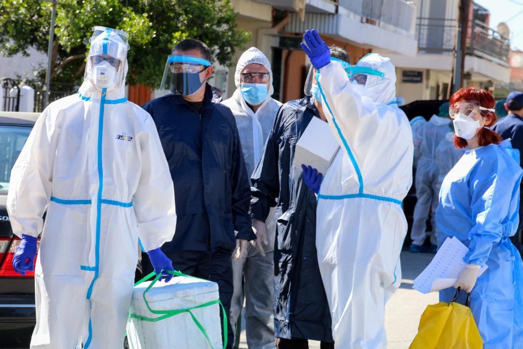 Νέα Σμύρνη Λάρισας: Σε κατάσταση αυξημένης επιτήρησης μετά τα 35 νέα κρούσματα κορονοϊού