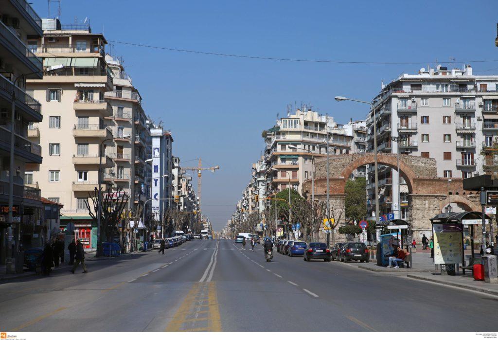Θεσσαλονίκη: Δημοτικός υπάλληλος κατηγορείται ότι έκλεβε αυτοκίνητα με τον υπηρεσιακό γερανό!