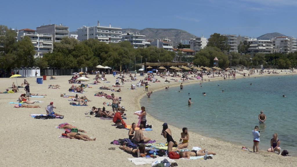 Ανοίγουν το Σάββατο οι οργανωμένες παραλίες – Οι οδηγίες της Πολιτικής Προστασίας