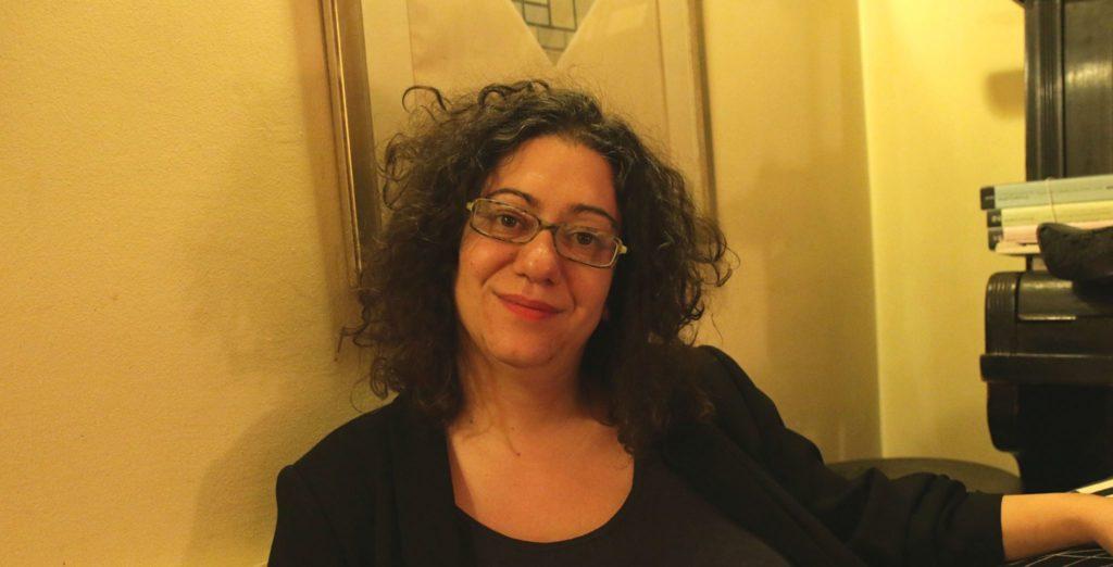 H Κωνσταντίνα Βούλγαρη γράφει στο Docville: Σιγά, το κράτος κοιμάται