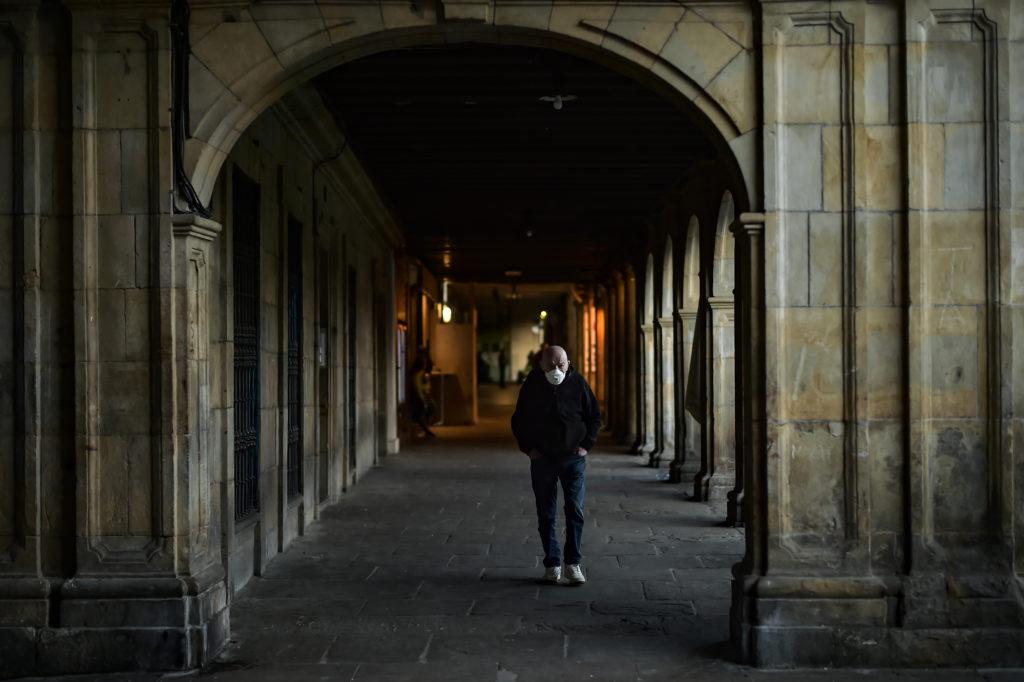 Ισπανία: 217 νέοι θάνατοι από κορονοϊό – 27.321 ο συνολικός αριθμός των νεκρών