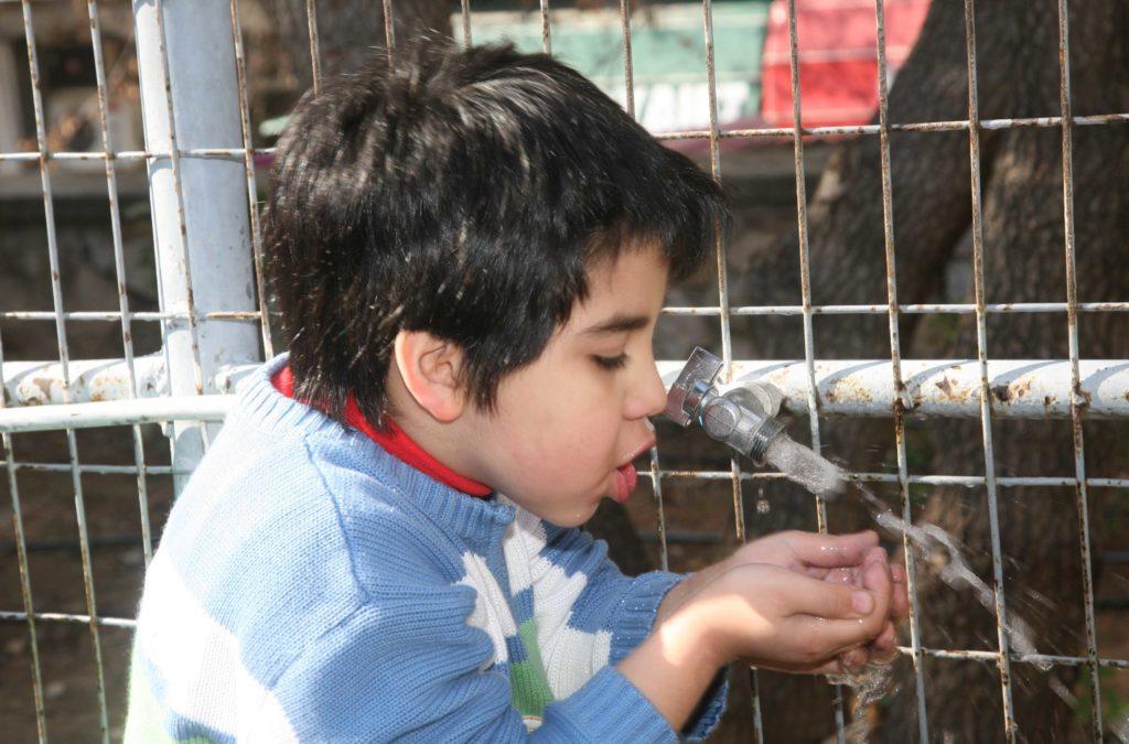 Κορονοϊός: Οδηγίες σχετικά με το νερό, τους υδάτινους χώρους αναψυχής και τα υδάτινα λύματα