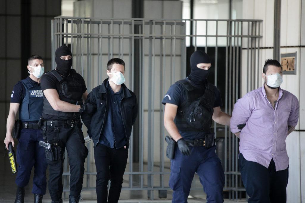 Ένταση και διακοπή στη δίκη για τη δολοφονία της Ελένης Τοπαλούδη μετά από διαμαρτυρία κατά της Εισαγγελέα