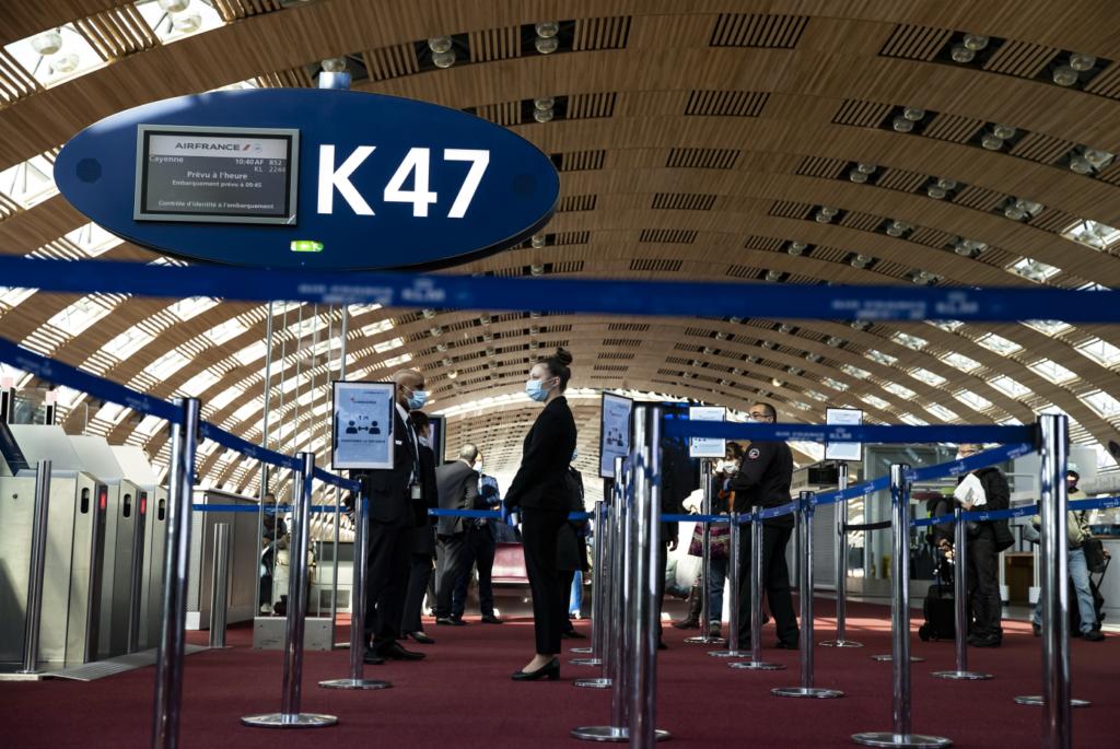 Η Γαλλία θέτει σε καραντίνα τους ταξιδιώτες από την Ισπανία
