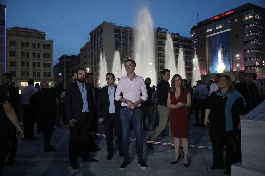 Στην πλατεία του Μπακογιάννη δεν «κολλάει», στην Αγ. Παρασκευή και στην Κυψέλη στέλνουν τα ΜΑΤ