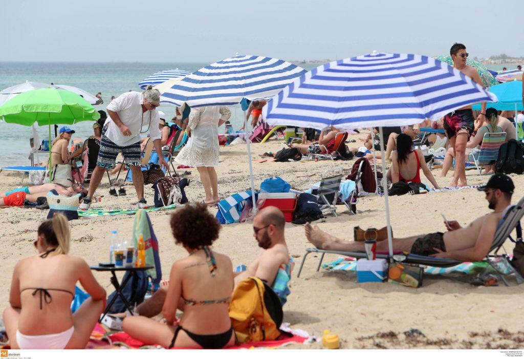 Πλήθος κόσμου και αδιαχώρητο σε παραλίες της Αττικής και της Θεσσαλονίκης! (Photos)