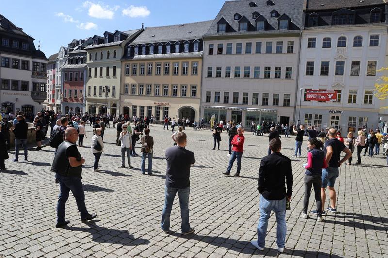 Χιλιάδες Γερμανοί στους δρόμους κατά των μέτρων για τον κορονοϊό