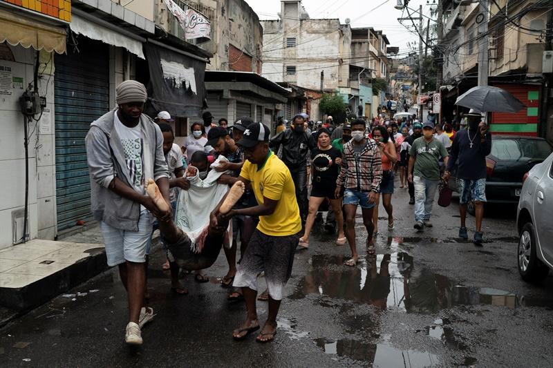 H Bραζιλία ξεπέρασε σε κρούσματα την Ιταλία και την Ισπανία