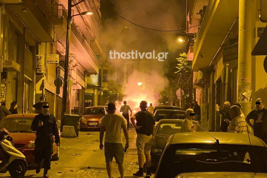 Θεσσαλονίκη: Χημικά και μολότοφ σε πορεία για τις πλατείες (Photos+Video)