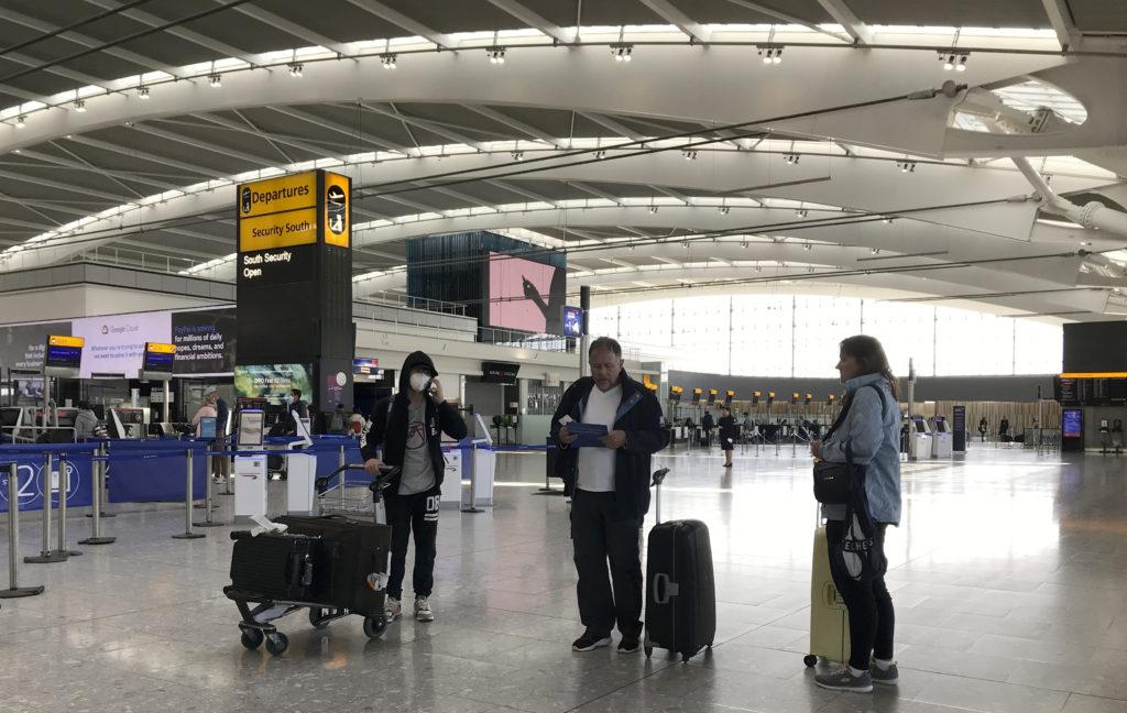 Βρετανία: Η καραντίνα για τις αφίξεις του εξωτερικού θα επανεξετάζεται κάθε τρεις εβδομάδες