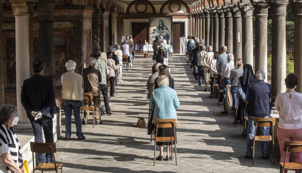 Ιταλία: Μειώνεται συνεχώς ο αριθμός των νέων κρουσμάτων – Πάνω από 32.000 οι νεκροί