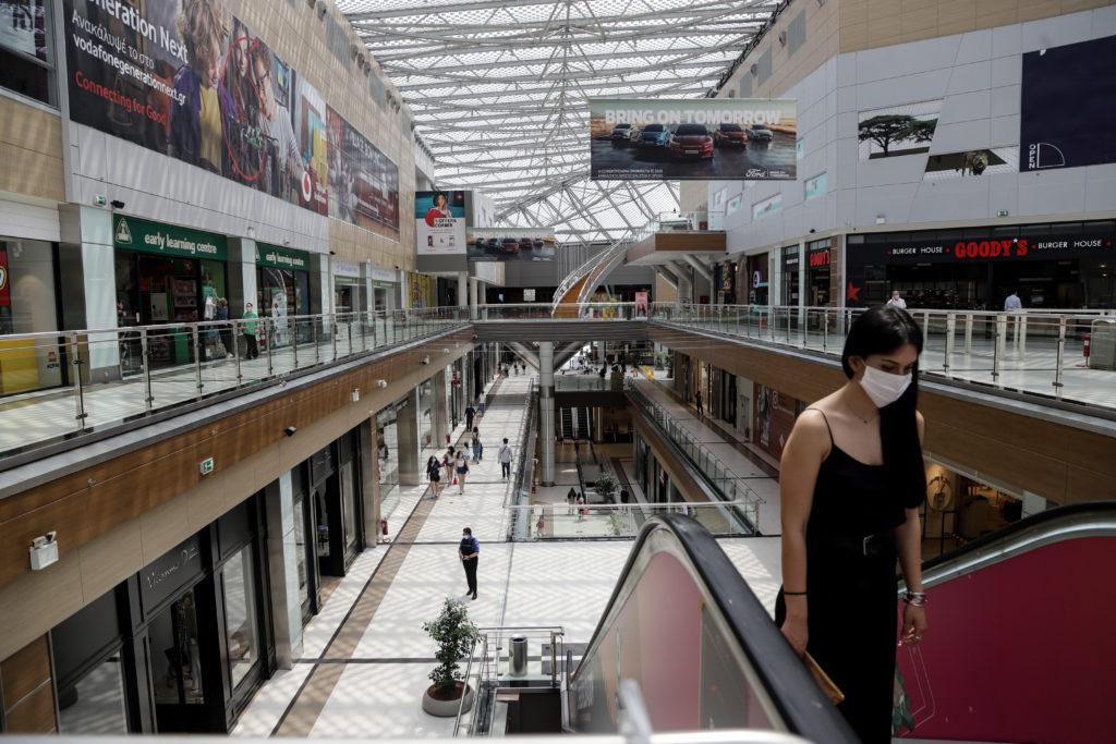 Νέα έρευνα: Η πανδημία αναμένεται να πλήξει δυσανάλογα τις γυναίκες