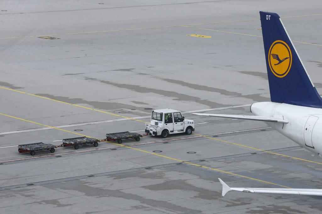Η «πρώτη» προσγείωση της Lufthansa στο «Ελευθέριος Βενιζέλος» – Τι είπαν οι επιβάτες (Video)