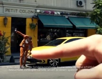 Η Volkswagen ζητά συγγνώμη για ρατσιστική διαφήμιση και την αποσύρει (Video)