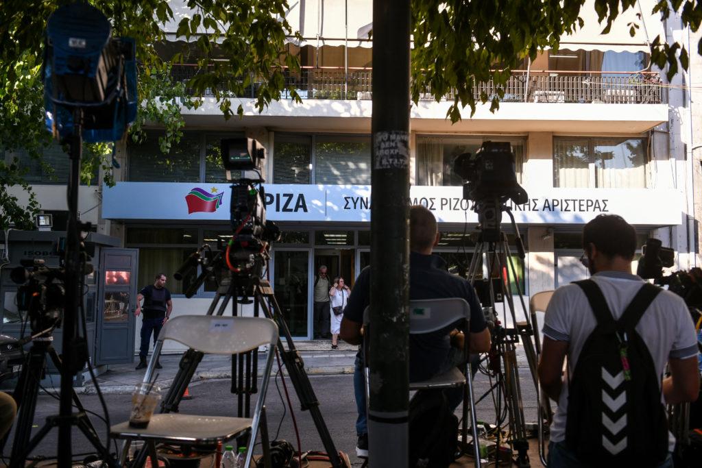 Κύκλοι Κ.Ο. ΣΥΡΙΖΑ: Μια μαύρη σελίδα για τη Δημοκρατία γράφτηκε σήμερα – Πιάστηκαν με την κάλπη στην πλάτη