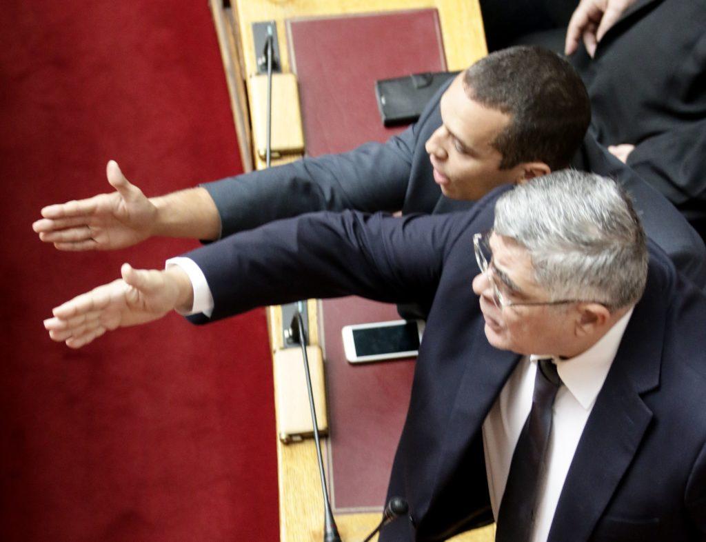 Ο Κασιδιάρης εγκαταλείπει τον άλλοτε τρανό αρχηγό και τη Χρυσή Αυγή – Ανακοίνωσε νέο κόμμα (Video)
