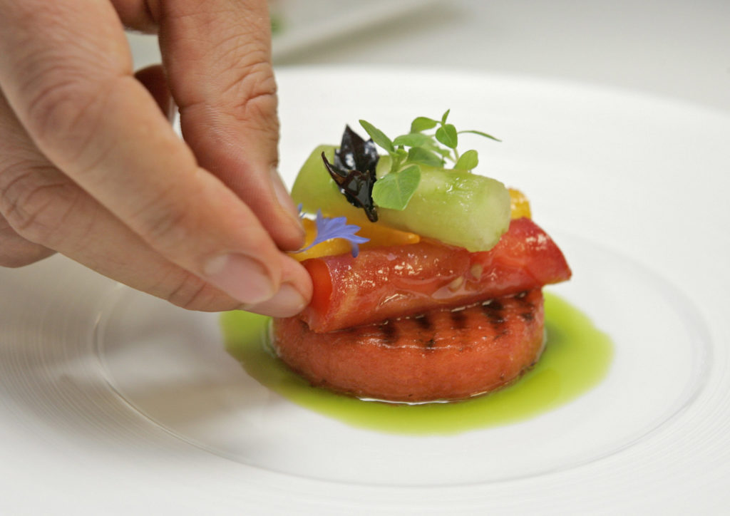 ΗΠΑ: Νεοϋορκέζος σεφ μετατρέπει το βραβευμένο εστιατόριό του σε κουζίνα απόρων