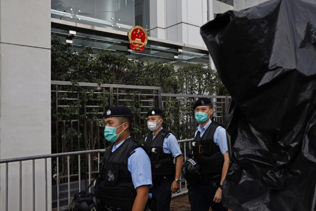 Το Λονδίνο καλεί το Πεκίνο να σεβαστεί την αυτονομία του Χονγκ Κονγκ